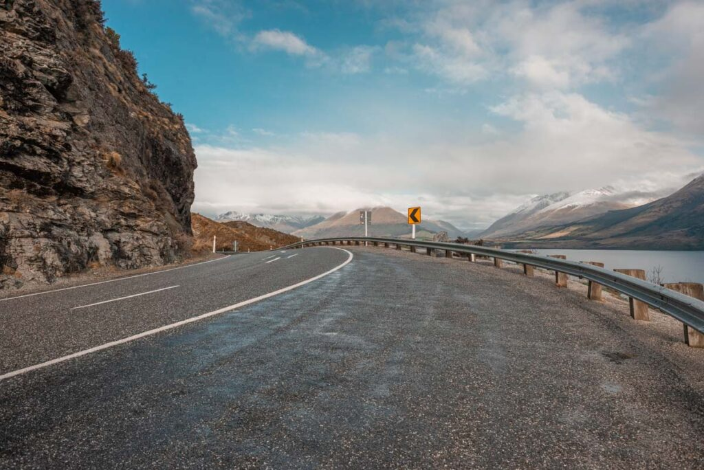 A sharp corner on the road between Queenstown and Glenorchy