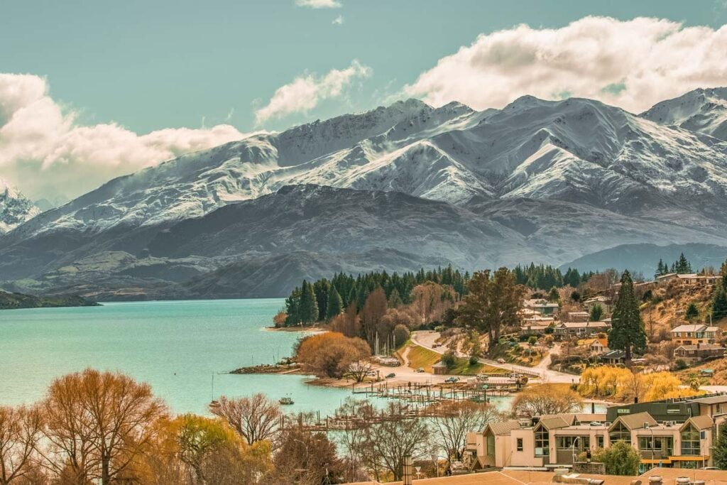 A view of the town of Wanaka, New Zealand