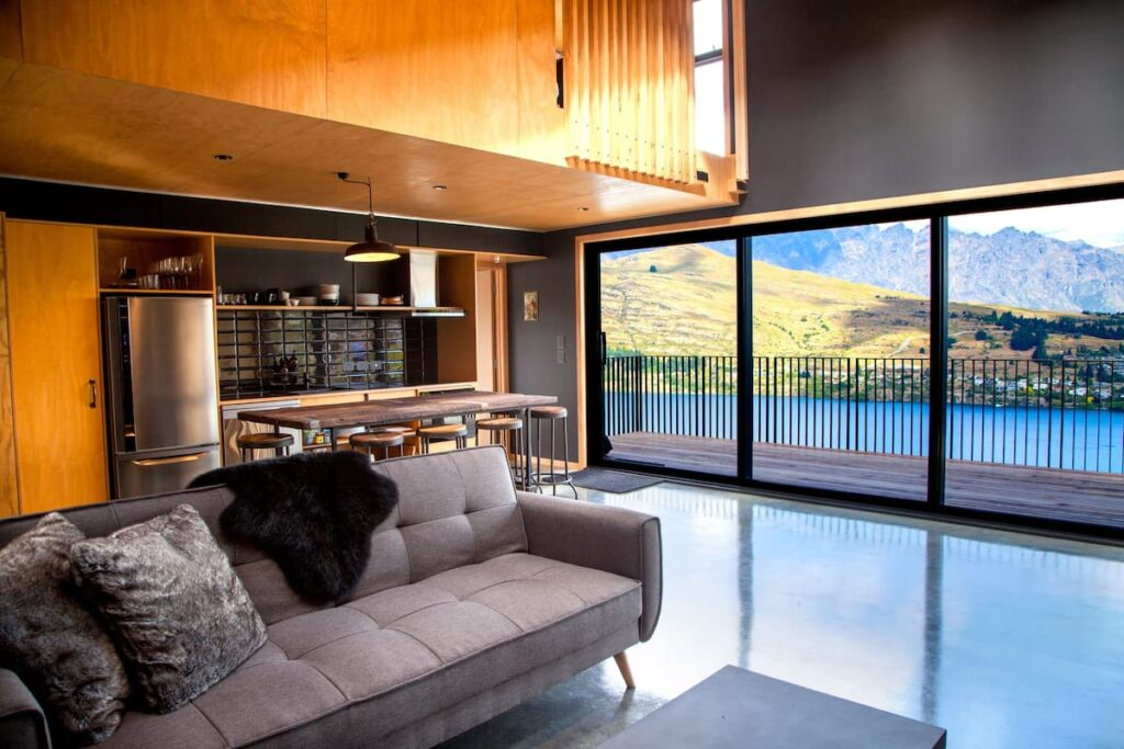 airbnb-living-room-queenstown