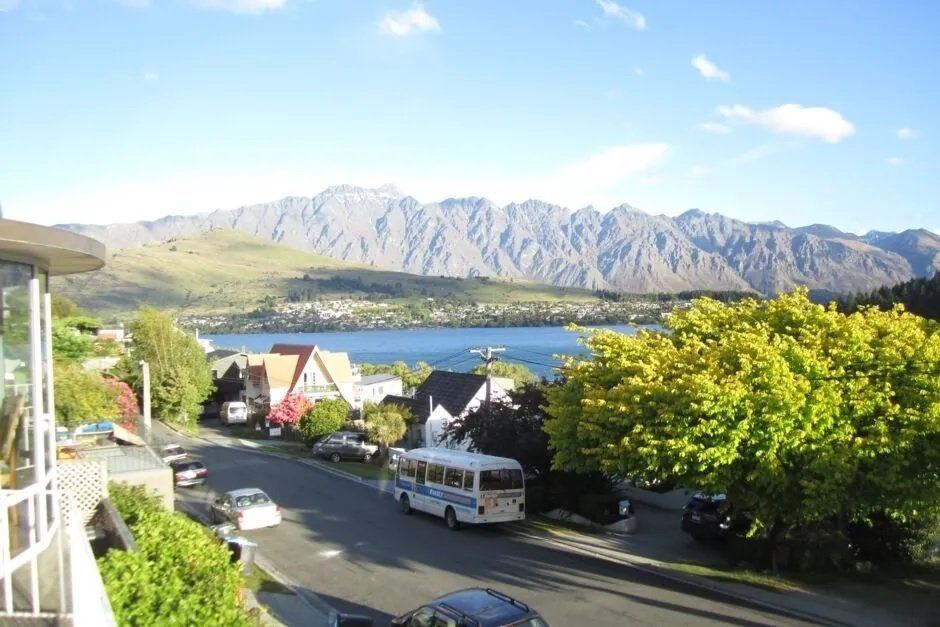 Terrace Retreat Studio in Queenstown - airbnb
