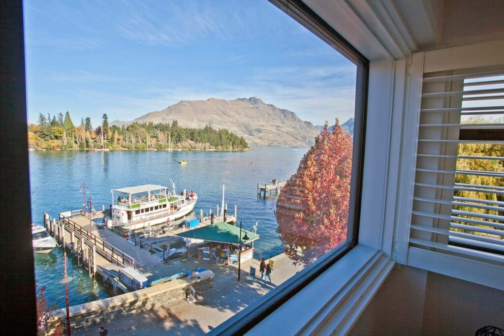 Absoloot Hostel Queenstown views out the window