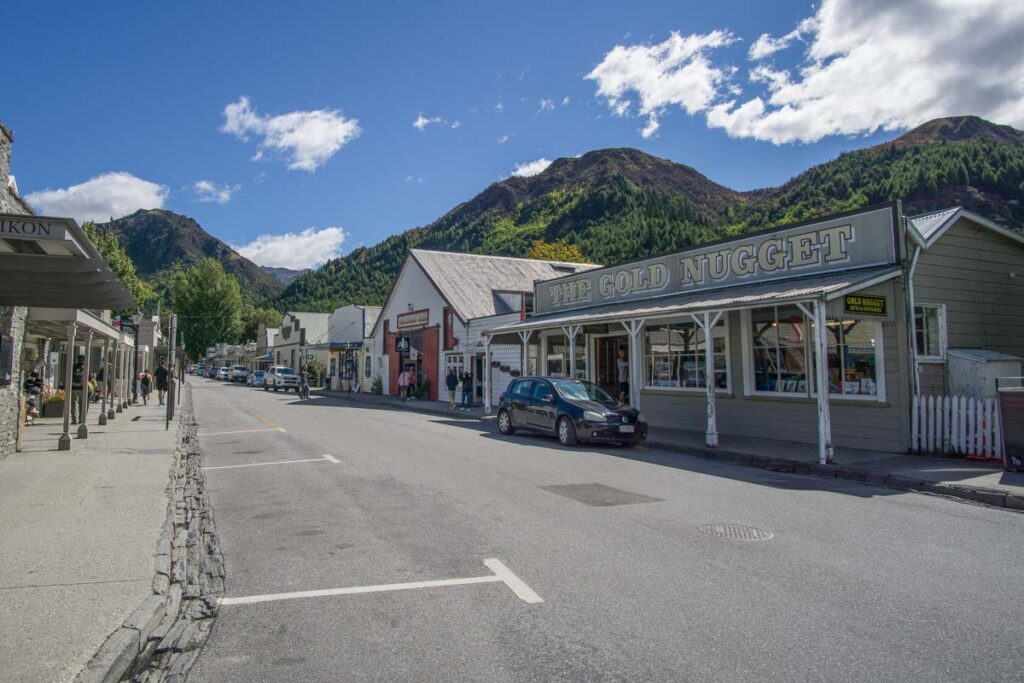 the mainstreet in Arrowtown
