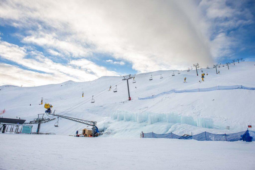 Coronet Peak Ski resort chairlift the Coronet Express