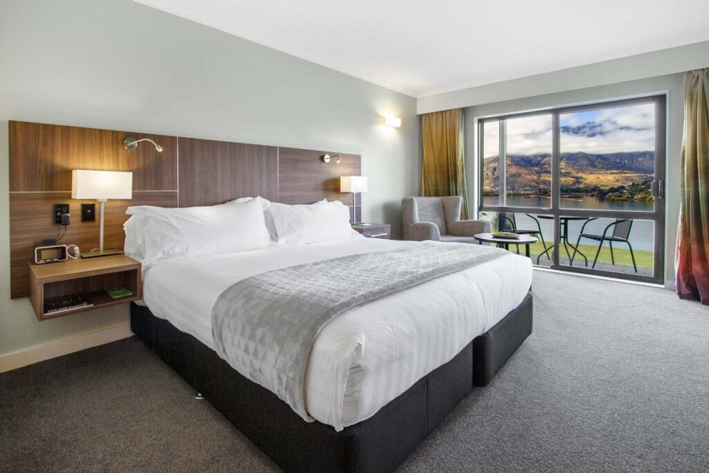 A room at the Holiday Inn Queenstown Frankton Road