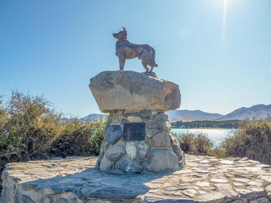 Mackenzie Sheepdog Statue