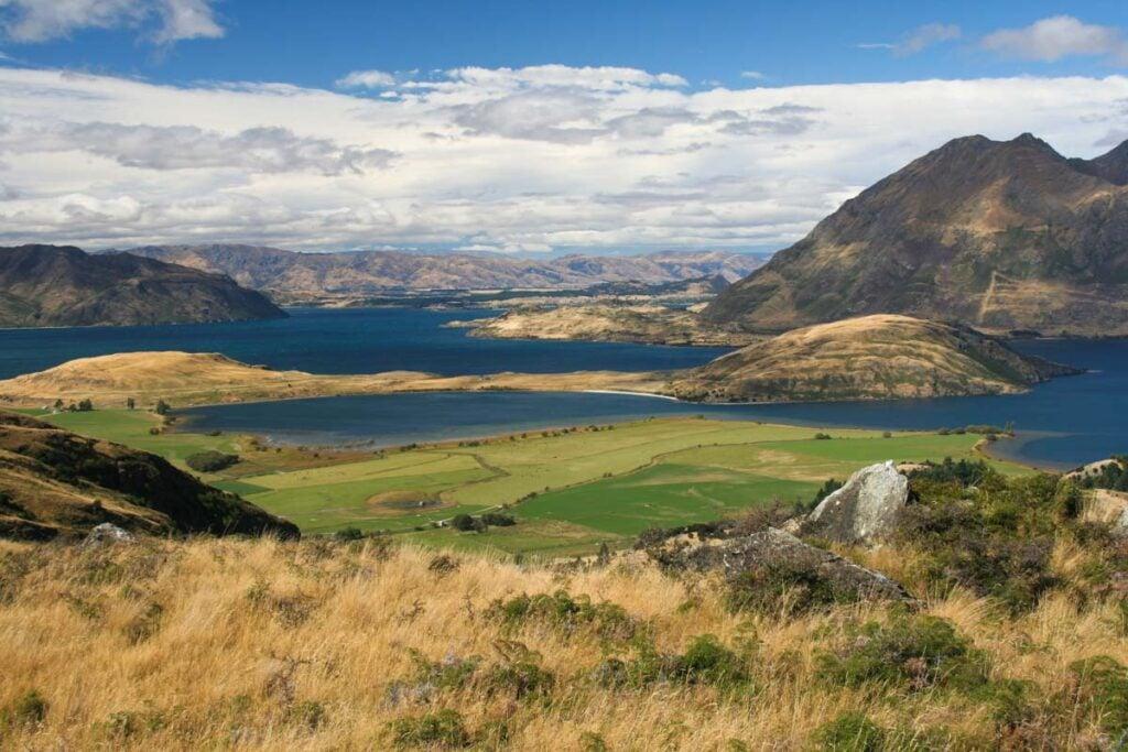 Views form the Diamond Lake Trail over Mt Aspiring National Park