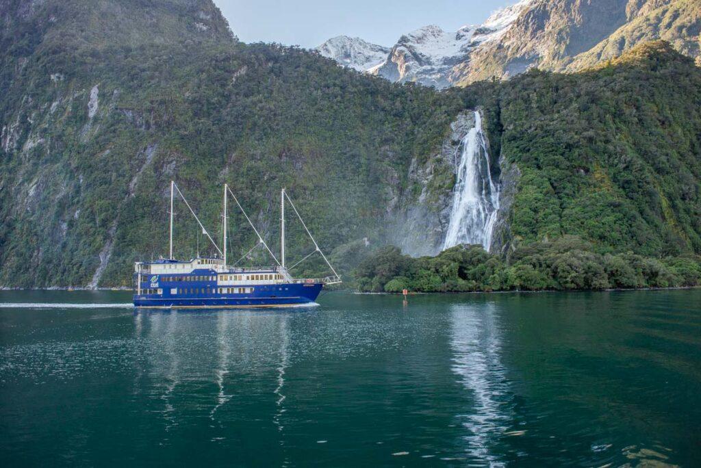 A cruise floats through Milford Sound