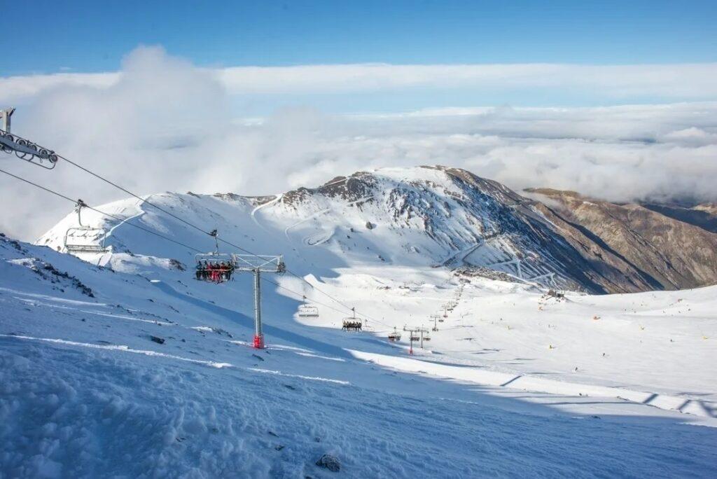 my hutt ski field views