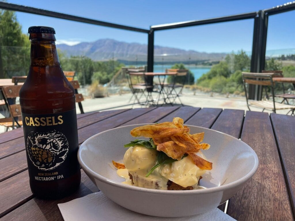 breakfast and beer with a view t Altitude 720 Cafe in Lake Tekapo